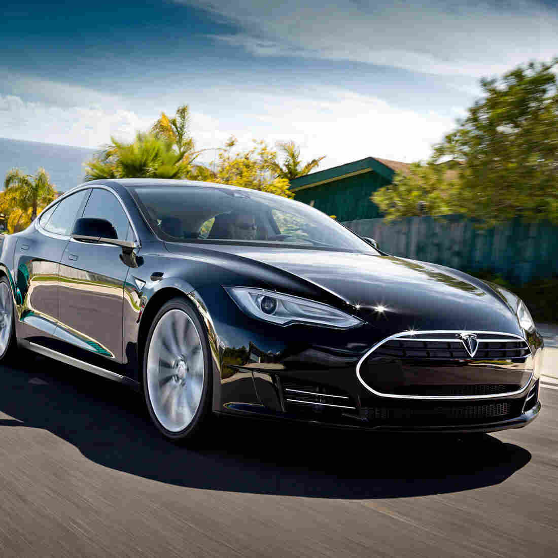Motor Trend Names Tesla S Car Of The Year, First Electric Car To Receive Honor