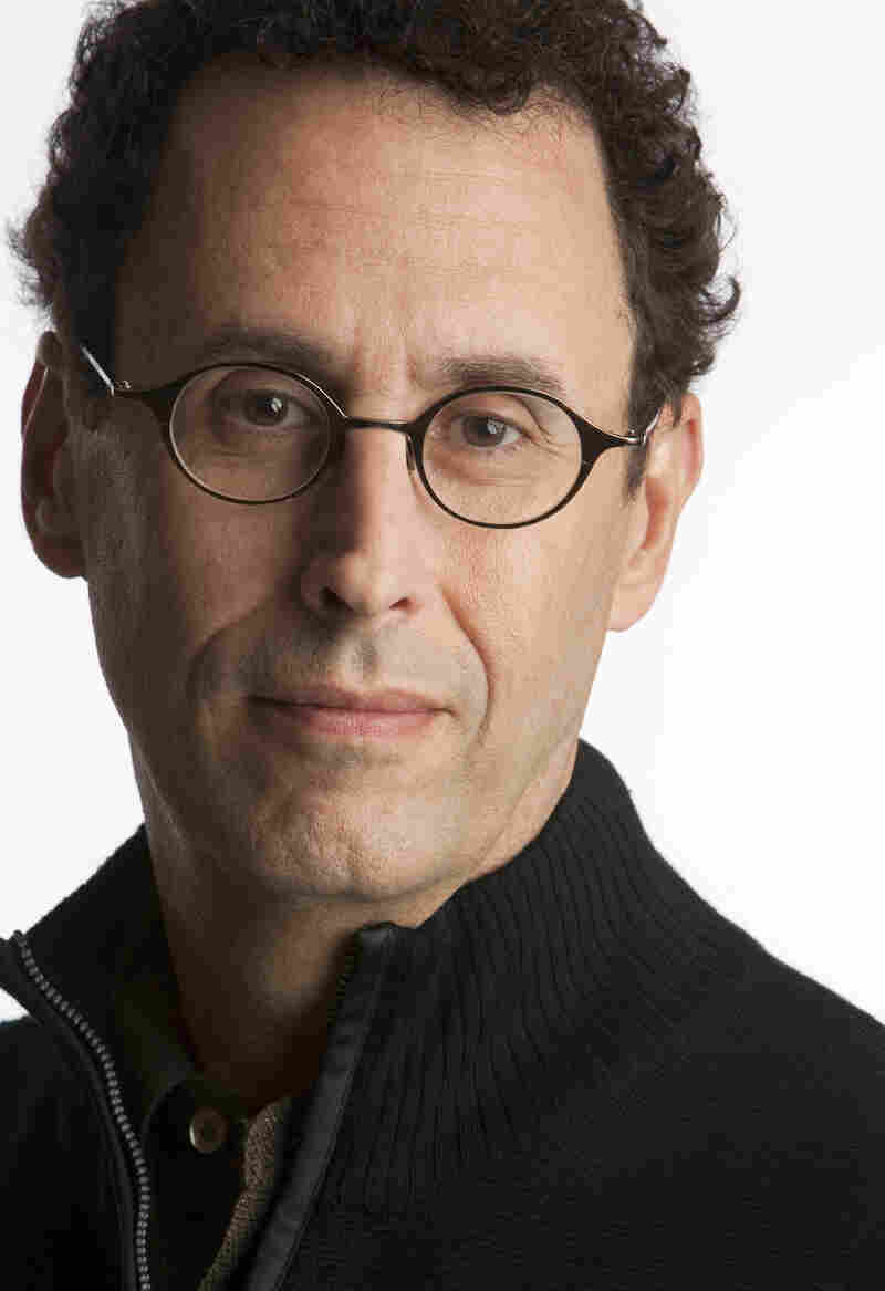 Kushner is the author of the Pulitzer Prize-winning play Angels in America. He also co-wrote the 2005 film Munich.