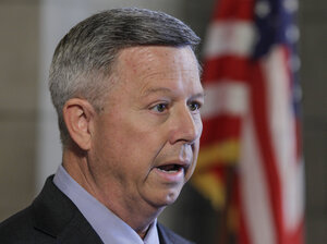 Nebraska Gov. Dave Heineman announced Thursday that his state will choose the federal health insurance exchange program.
