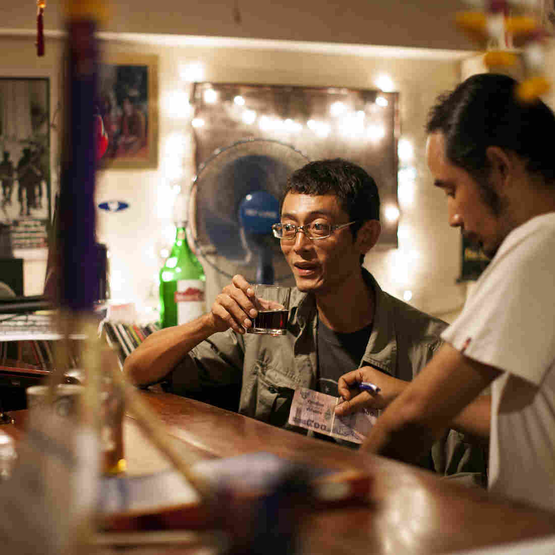At Burmese Dissident's Cafe, A Taste Of Politics And Salad