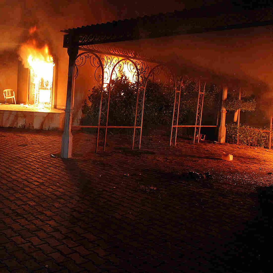 Petraeus Supports White House On Post-Benghazi Accounts, Lawmakers Say