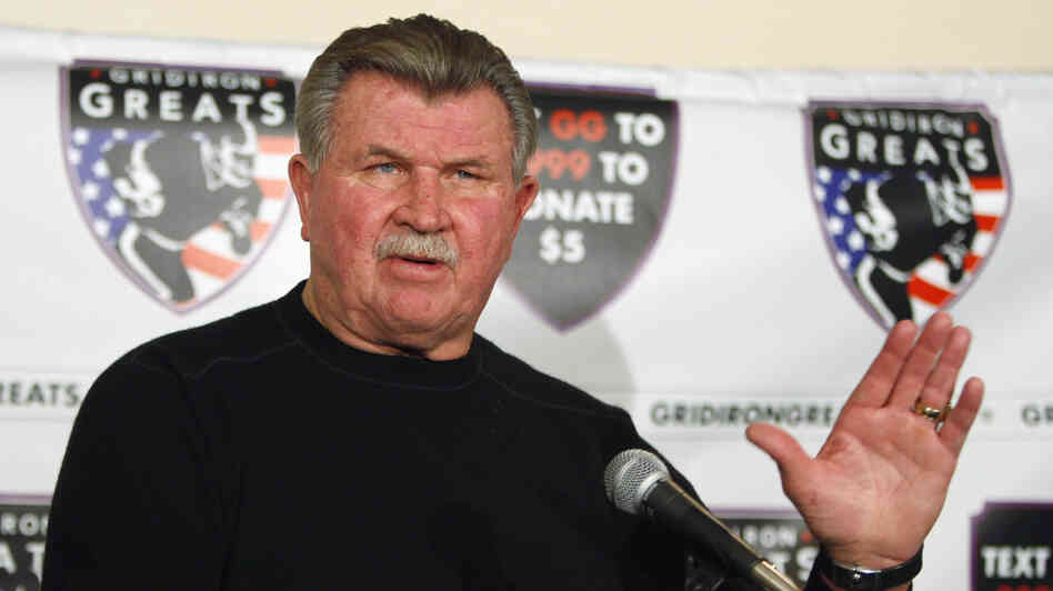Former Chicago Bears coach Mike Ditka suffered a mino