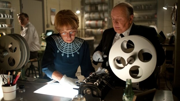 Alfred Hitchcock (Anthony Hopkins) and his wife, Alma Reville (Helen Mirren), work together to produce Psycho.