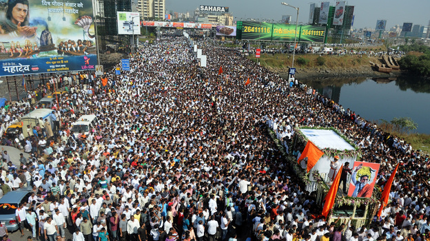Bal Thackeray's funeral cortege made its way through a sea of supporters in Mumbai on Sunday. (AFP/Getty Images)