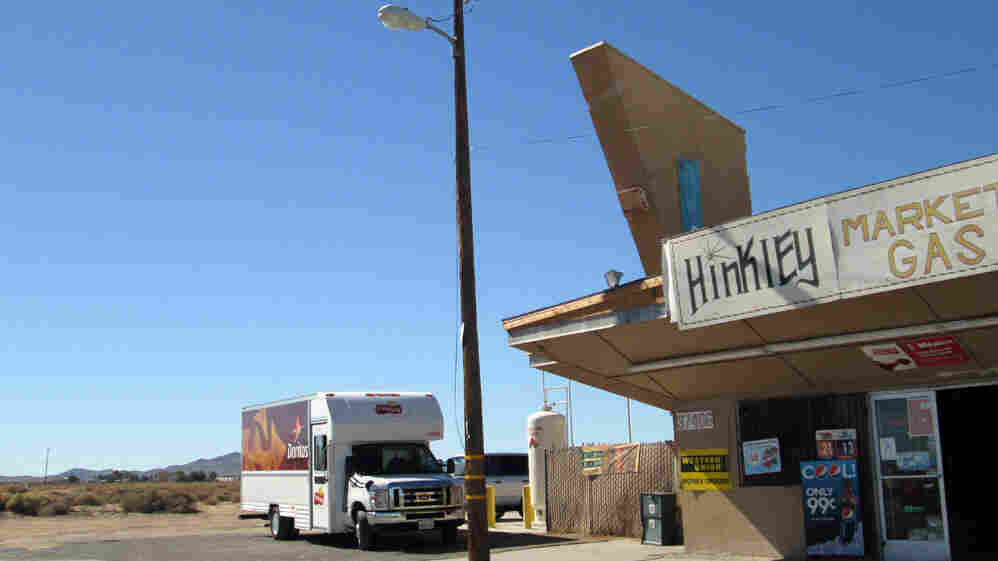 Hinkley, Calif., may soon become a ghost town as residents move away from contaminated water.