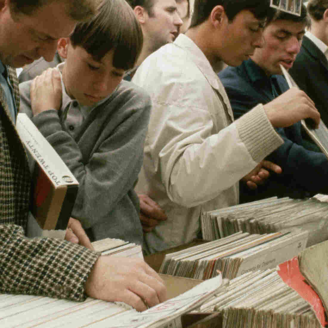 Five Reasons To Visit Your Local Record Store On Black Friday