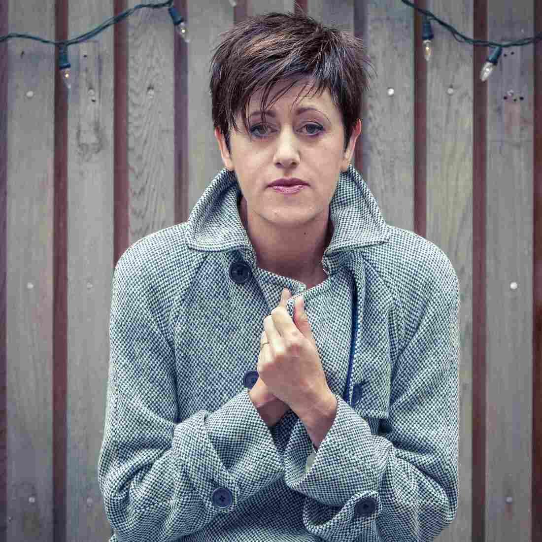 First Listen: Tracey Thorn, 'Tinsel And Lights'