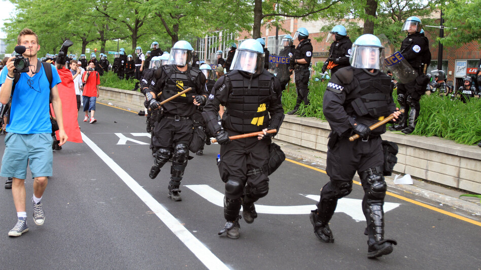 Chicago police move in during protests against the NATO summit in May. (AFP/Getty Images)