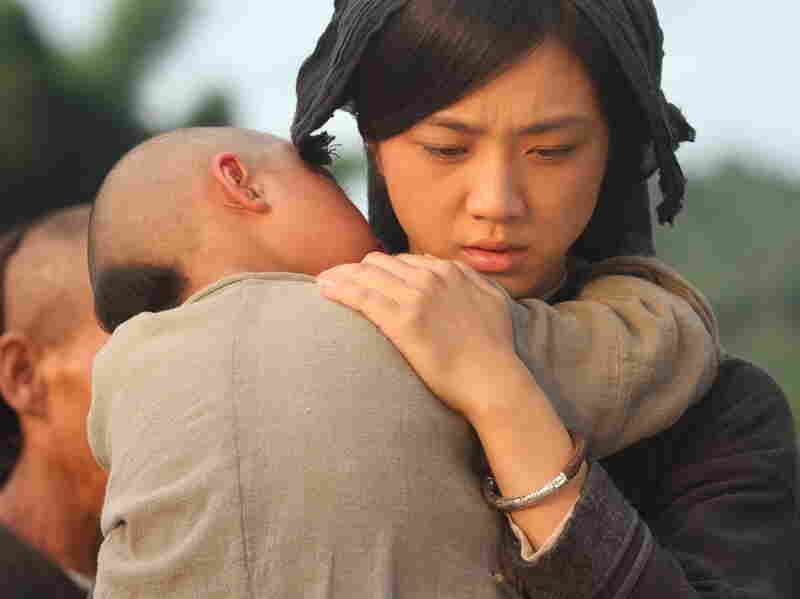 Ayu (Tang Wei) starts her life over with Liu Jinxi after being abandoned by her first husband.