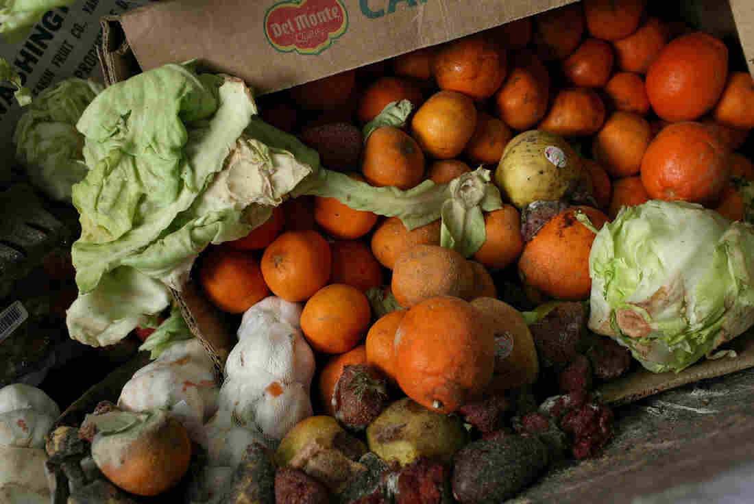 The National Restaurant Association says getting restaurants to focus on the food waste problem is a big challenge.