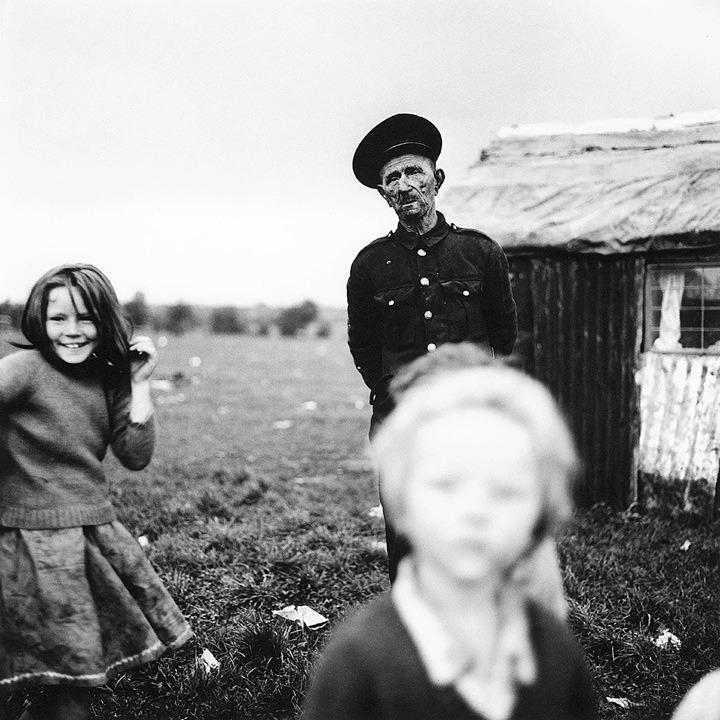 Willie Donoghue and children, Cherry Orchard
