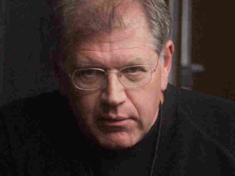 Acclaimed writer-director-producer Robert Zemeckis has worked on more than 30 films, including the