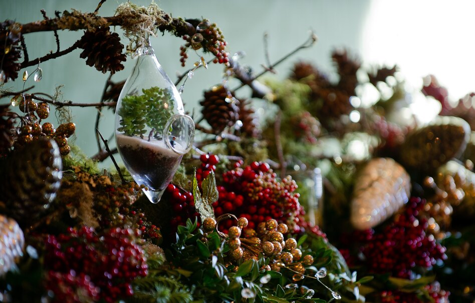 Volunteers from around the country traveled to Washington to help with the decorations.