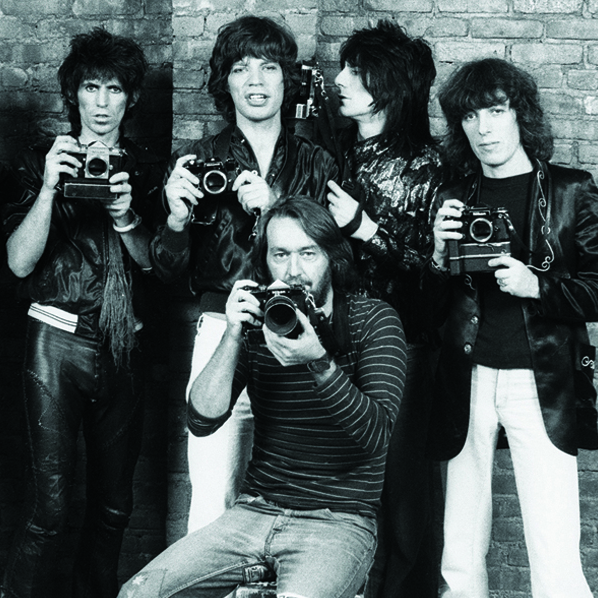 Photographer Ken Regan with the Rolling Stones, 1977