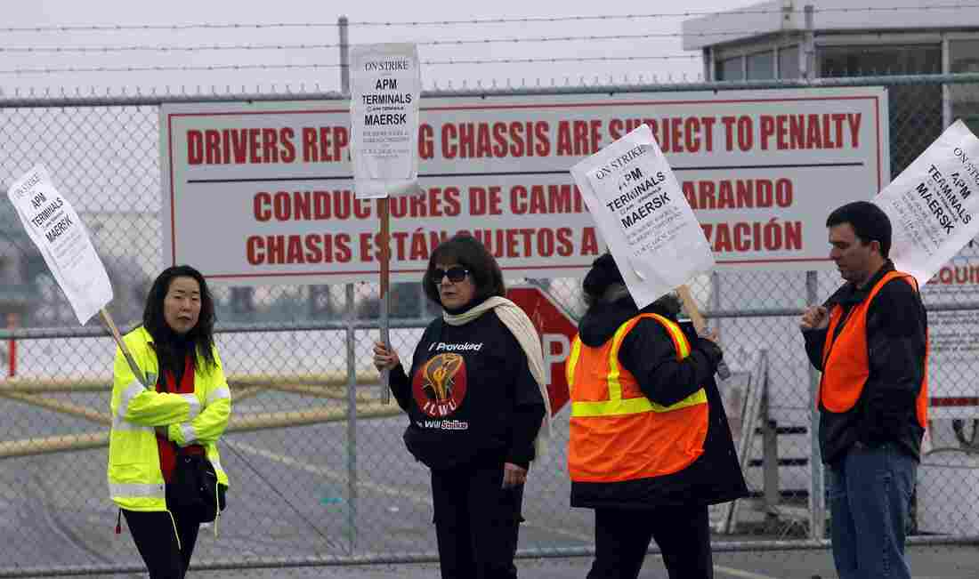 Union workers strike at the Port of Los Angeles on Nov. 28, 2012.