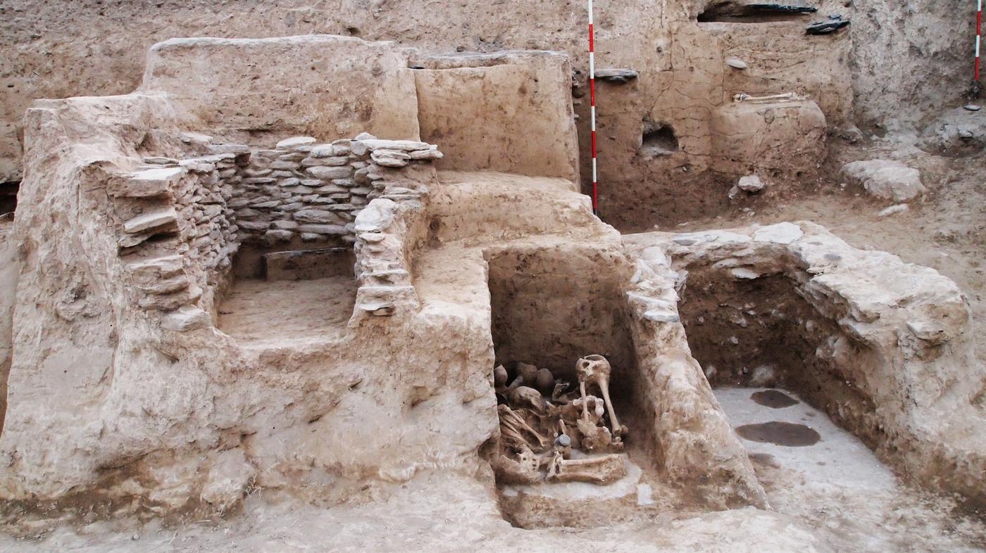In Pakistan Secrets Of A 3 000 Year Old Cemetery Npr