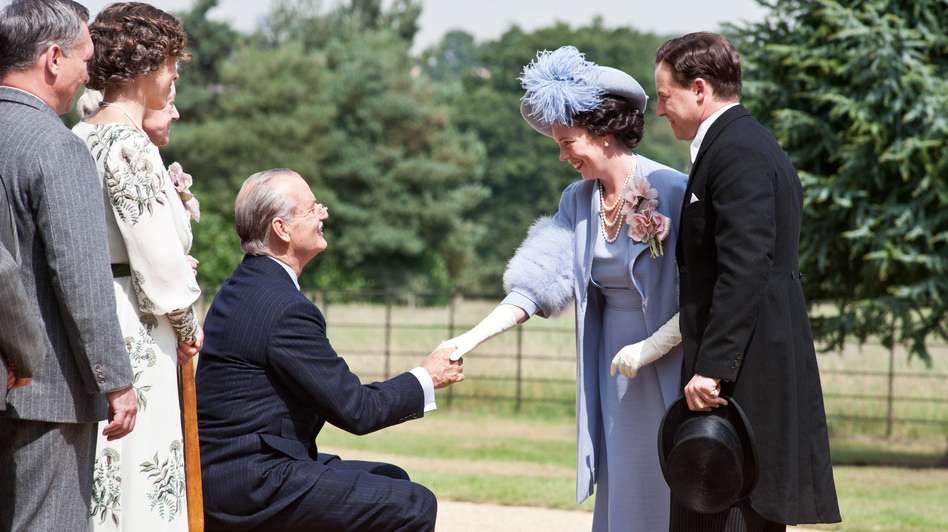 Franklin Roosevelt (Bill Murray) greets Britain's Queen Elizabeth (Olivia Colman) and King George VI (Samuel West). (Focus Features)