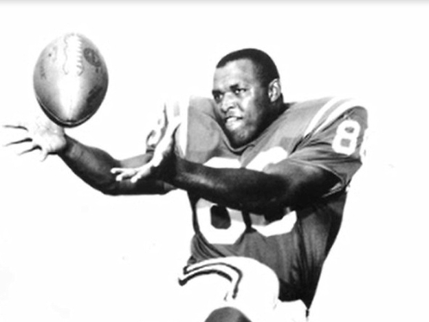 John Mackey, a tight end who won fame playing for the Baltimore Colts, died in 2011. His brain showed evidence of chronic brain disease and Pick's disease.