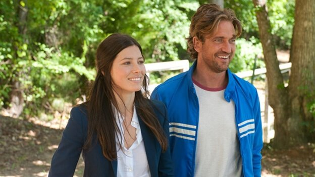 In Gabriele Muccino's romantic comedy, a former pro soccer player (Gerard Butler) starts coaching his son's soccer team — and reconnects with his ex-wife (Jessica Biel).