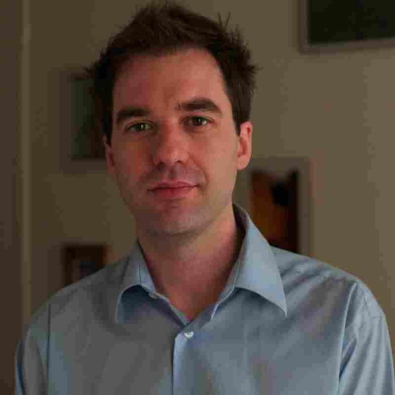 Sean Howe is a former editor at Entertainment Weekly.