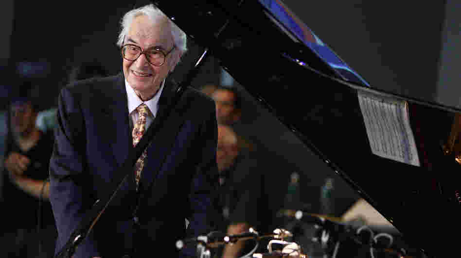 In a 1999 interview with Fresh Air's Terry Gross, Dave Brubeck talked about his decades in the music industry and his first love: rodeo roping.
