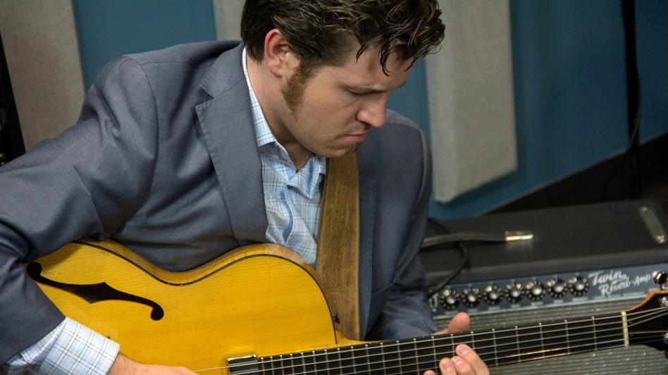 Los Angeles jazz guitarist Graham Dechter. ( )