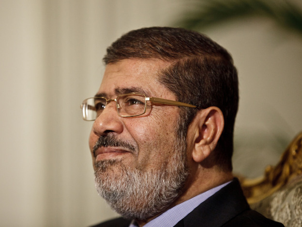 "Egyptian President Mohammed Morsi held a ""dialogue"" in Cairo on Saturday. Overnight, an official announced the president would nullify a decree that gave him expanded powers."