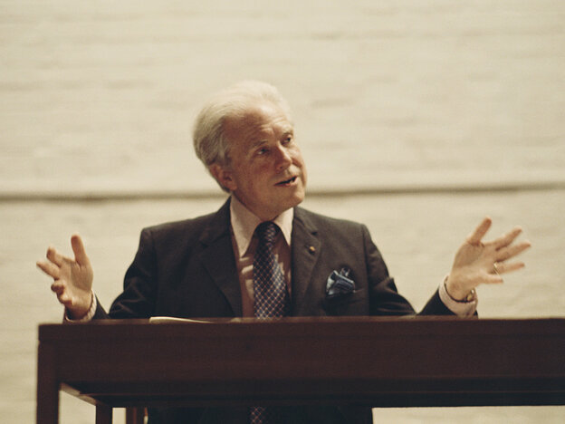 Prominent musicians remember American composer Elliott Carter (who would have turned 104 today) through his music. Carter died last month.