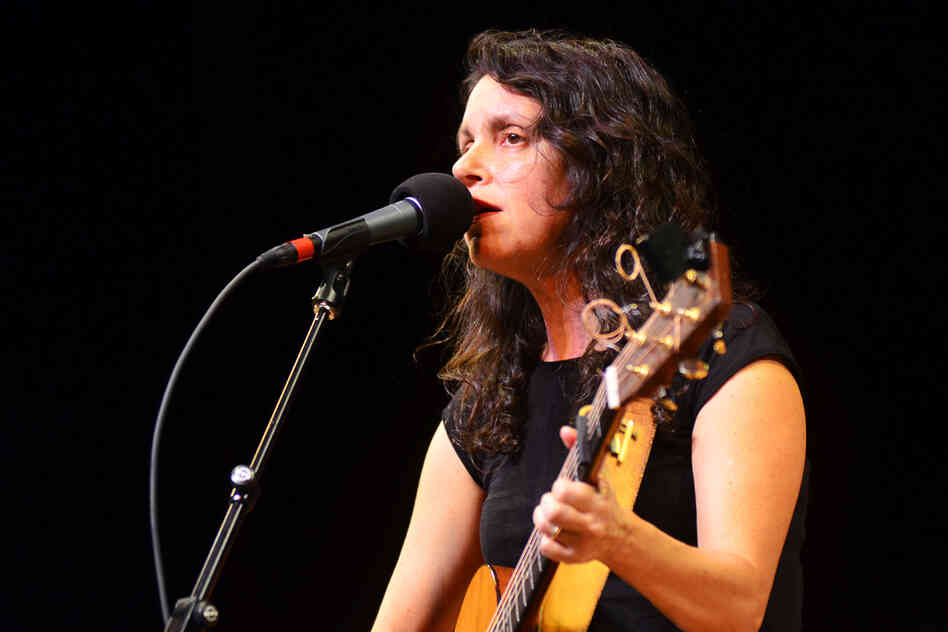 Lucy Kaplansky returns to Mountain Stage.