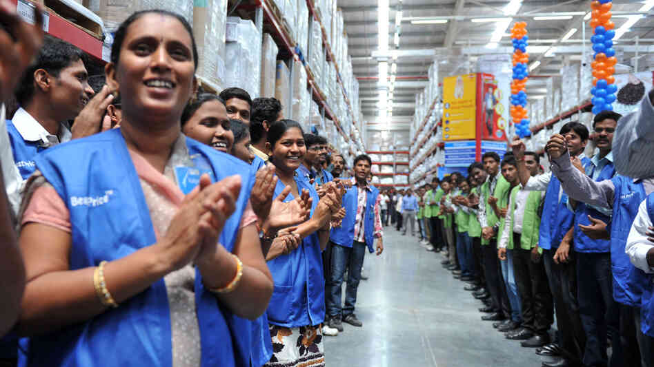 Wal mart s lobbying in u s to be probed by indian government