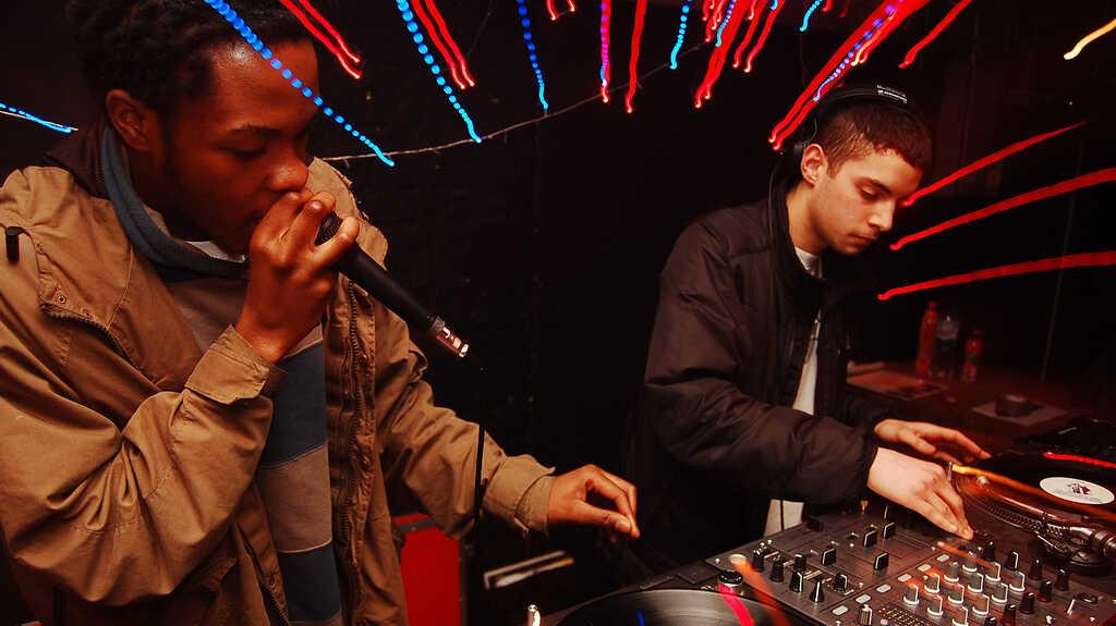 Top 10 Electronic Dance Tracks Of 2012