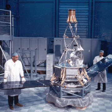 The Mariner 2 probe at an assembly facility in Cape Canaveral, Fla., on Aug. 29, 1962.