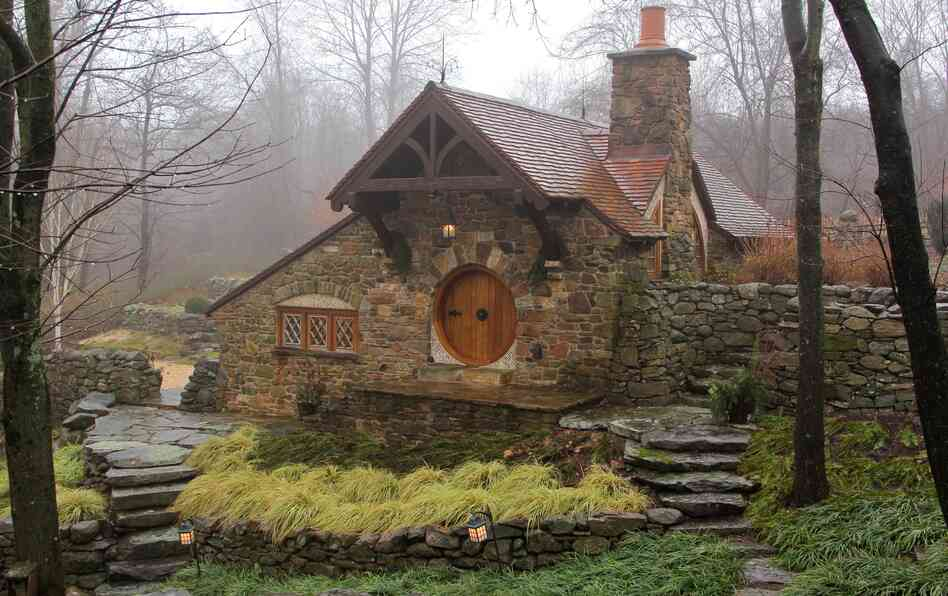 No orcs allowed hobbit house brings middle earth to pa npr for Hobbit house drawings