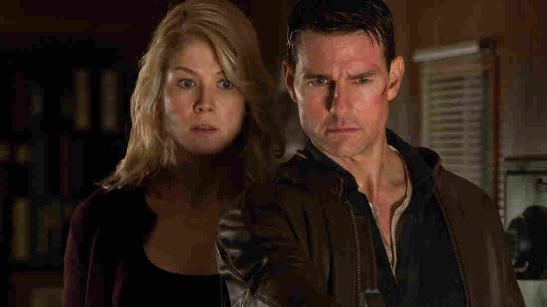 Helen (Rosamund Pike) and Reacher (Tom Cruise) work together after being summoned by an accused killer.