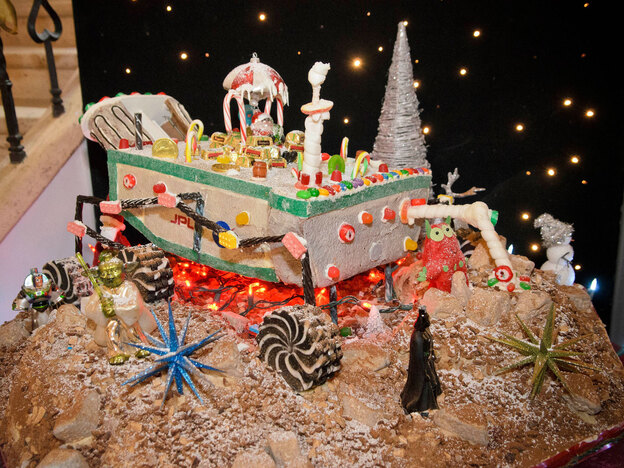 The other Mars Curiosity rover, made of gingerbread and on display on the Caltech campus.