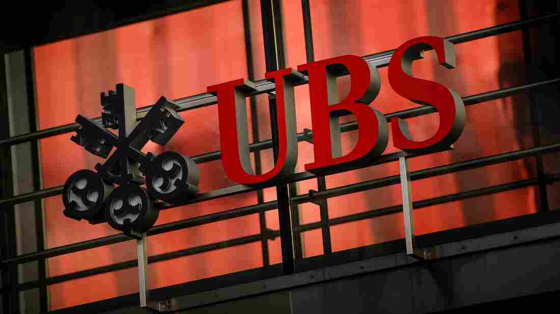 The logo of Swiss banking giant UBS in Zurich, Switzerland.