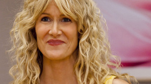 Laura Dern is Amy Jellicoe, a health and beauty executive who returns from a post-meltdown retreat to pick up the pieces of her broken life in the HBO series Enlightened.