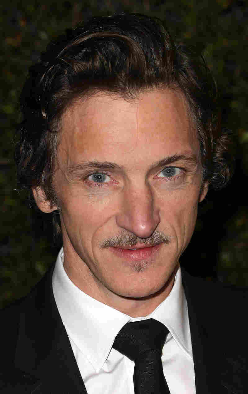 Actor John Hawkes