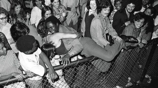 Ernie K-Doe and his fans at the Warehouse in New Orleans in 1974.  (The Historic New Orleans Collection)