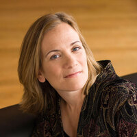 Tracy Chevalier is the author of the novel Girl with a Pearl Earring.