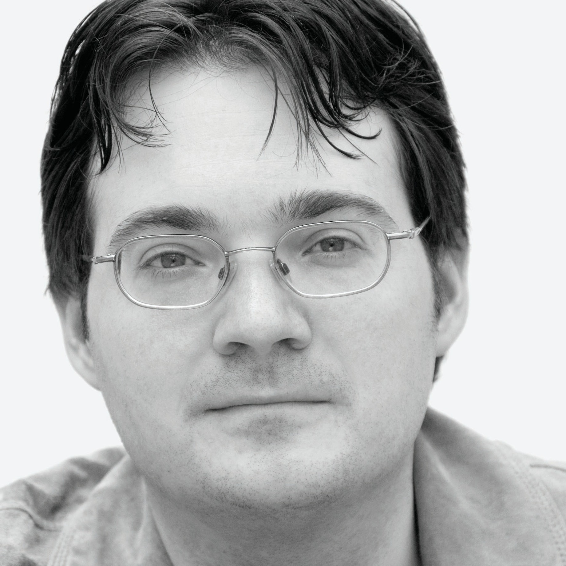 Brandon Sanderson is the author of the Mistborn books.  He was chosen to complete the Wheel of Time series after Robert Jordan's death.