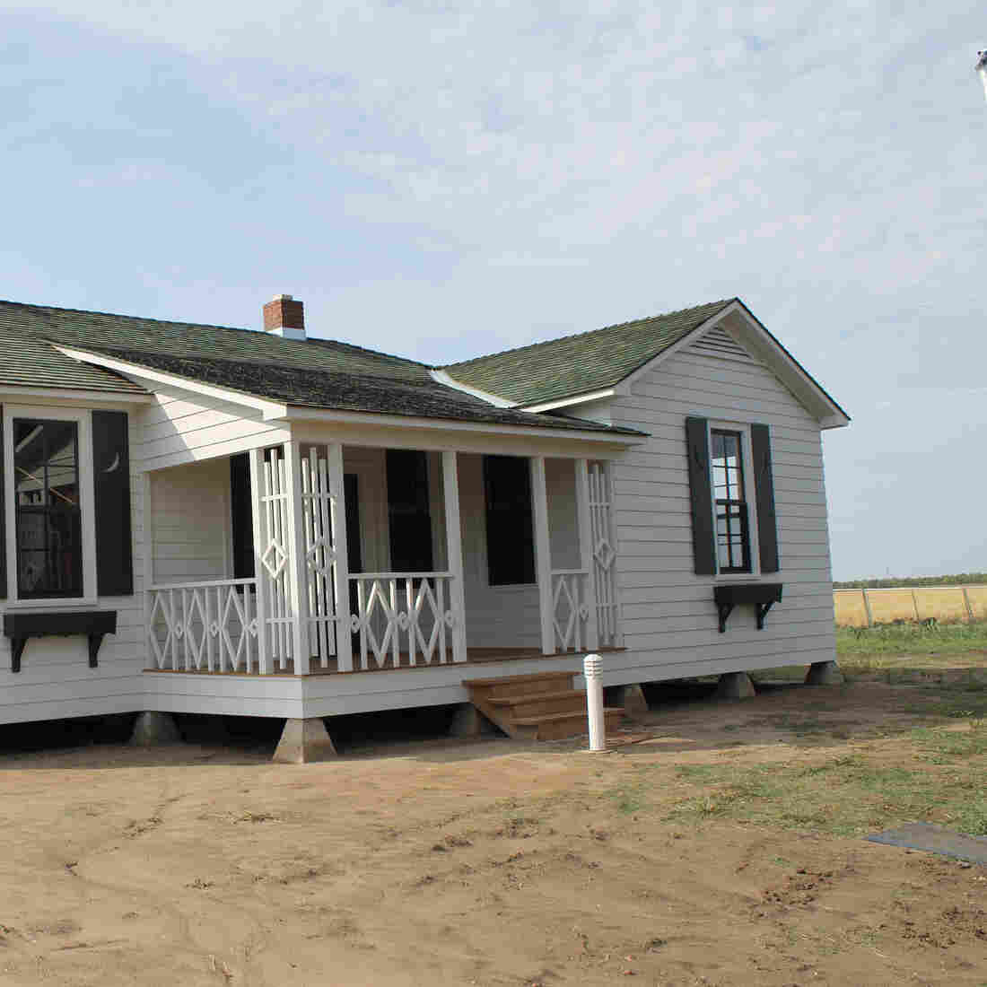 Johnny Cash's Boyhood Home Tells The Story Of A Town