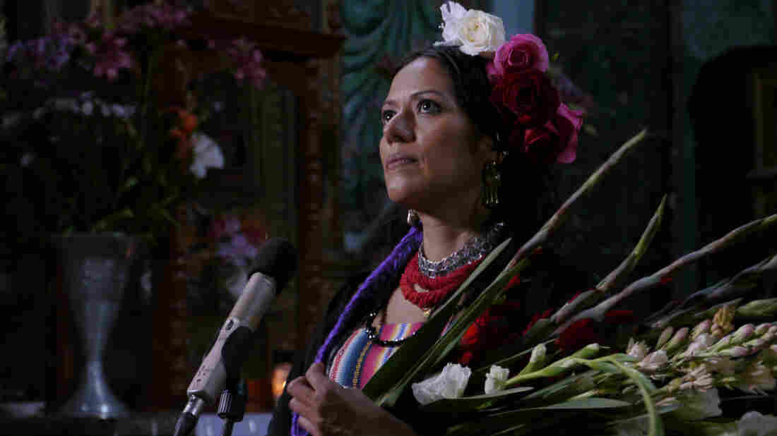 Ranchera singer Lila Downs appears on the Hecho En Mexico soundtrack.