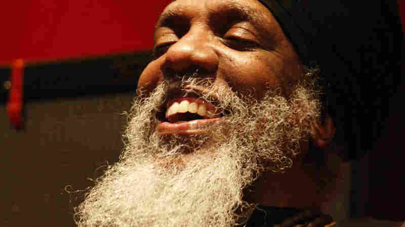 Dr. Lonnie Smith Trio On JazzSet