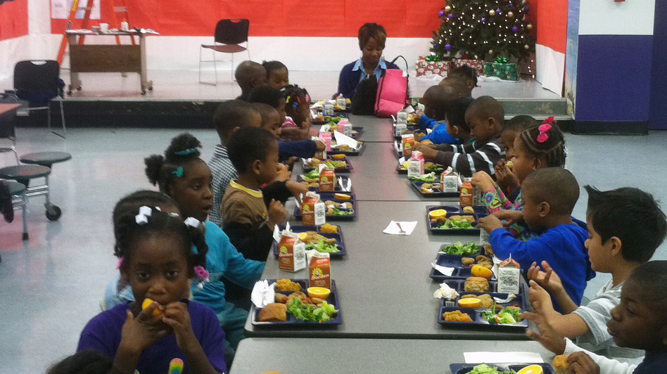 Tamara Burney's kindergartners eat lunch in the Hillview Elementary cafeteria in Jefferson County, Ala. (WBHM)
