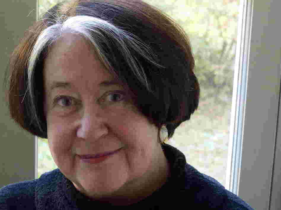 Robert Jordan's widow, Harriet McDougal, selected another author to continue the series after Jordan's death in 2007.