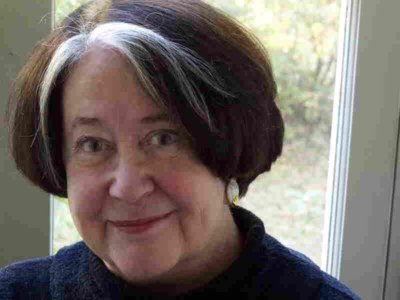 Robert Jordan's widow, Harriet McDougal, selected another author to continue the series after Jordan's death in 2007.