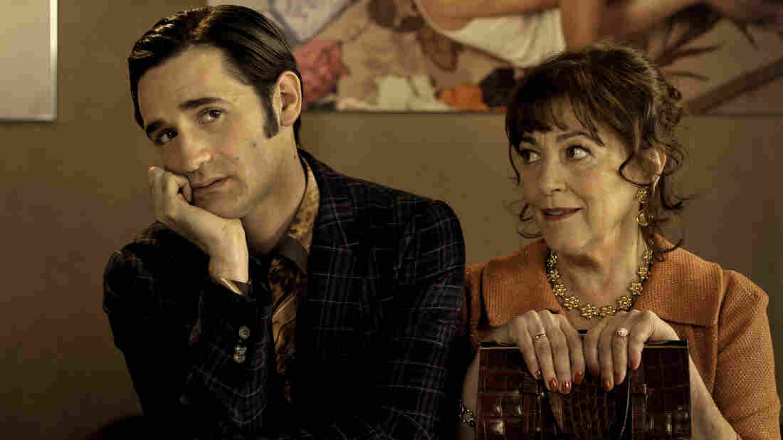 Forced to move back home with his family after a messy breakup, Reuben (Nicolas Maury) must come to terms with both his mother (Carmen Maura) and his French-Jewish roots.