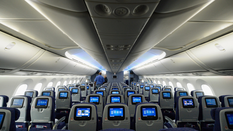 The interior of a United Airlines Boeing 787 Dreamliner. (Getty Images)