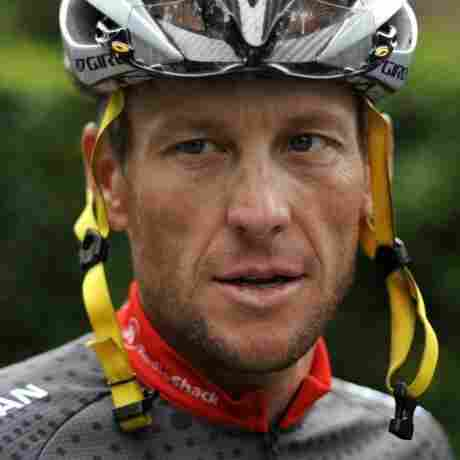 Reports: Lance Armstrong Has Told Livestrong Staff He's Sorry